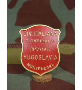 ITALIAN WW2 Garibaldi Partisan Division metal badge