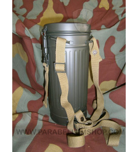 German WW2 gas mask canister