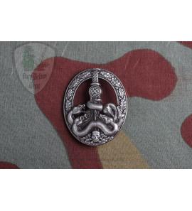 Anti-Partisan Badge in Silver Das Bandenkampfabzeichen in Silber