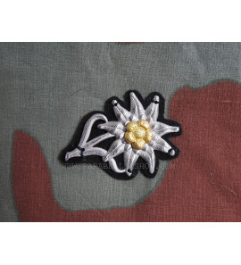 German WW2 Edelweiss Gebirgsjager Wehrmacht on bottle green cloth
