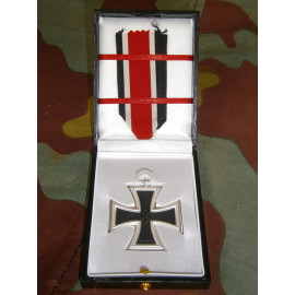 Iron Cross Seconds Class LDO medal presentation box
