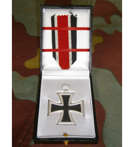Iron Cross Seconds Class LDO medal presentation box