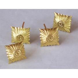 Gold pips for shoulder
