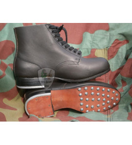 Low boots black leather